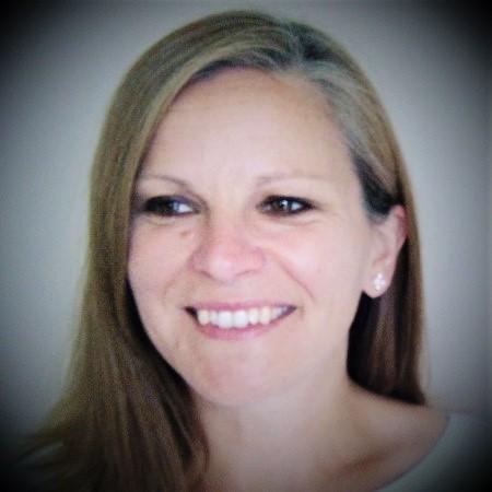 Dr. Hannah Young (LLB, PhD, FCMI)